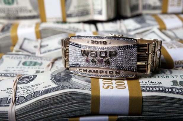 WSOP Money Shot-MainEventBracelet-1